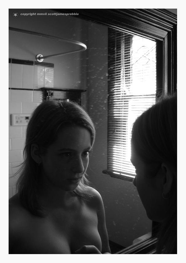 Mirror_mirror_by_Jesi86